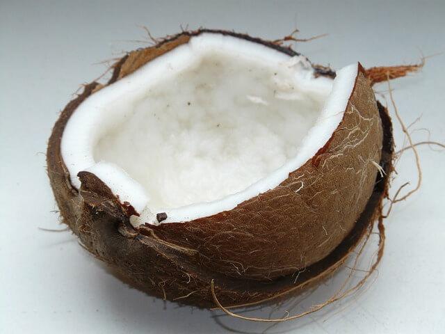 Kokonuss für Kokosnullöl